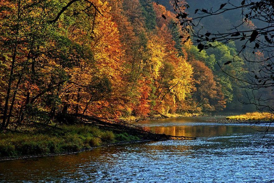 Kraj: Dwa oblicza spływu Dunajcem