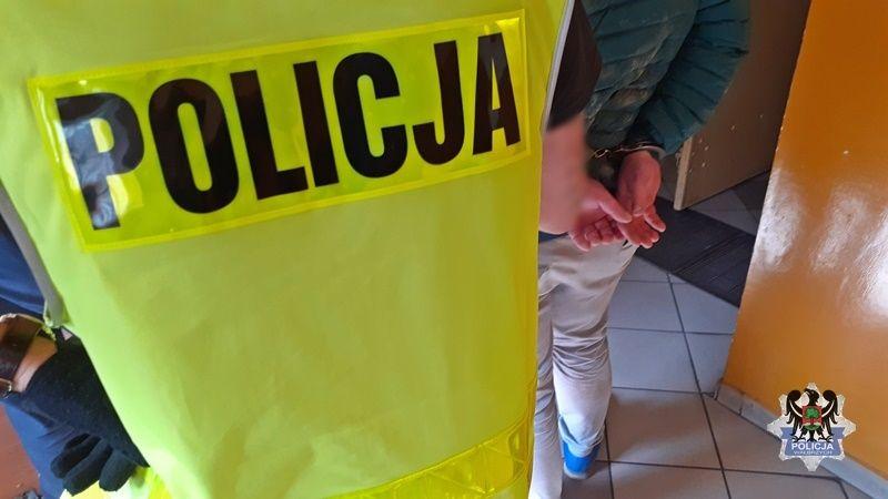 REGION, Czarny Bór/Boguszów-Gorce: Staranował radiowóz