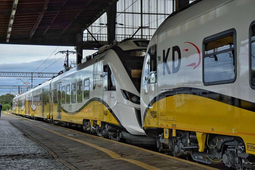 REGION: Przetargi na pociągi