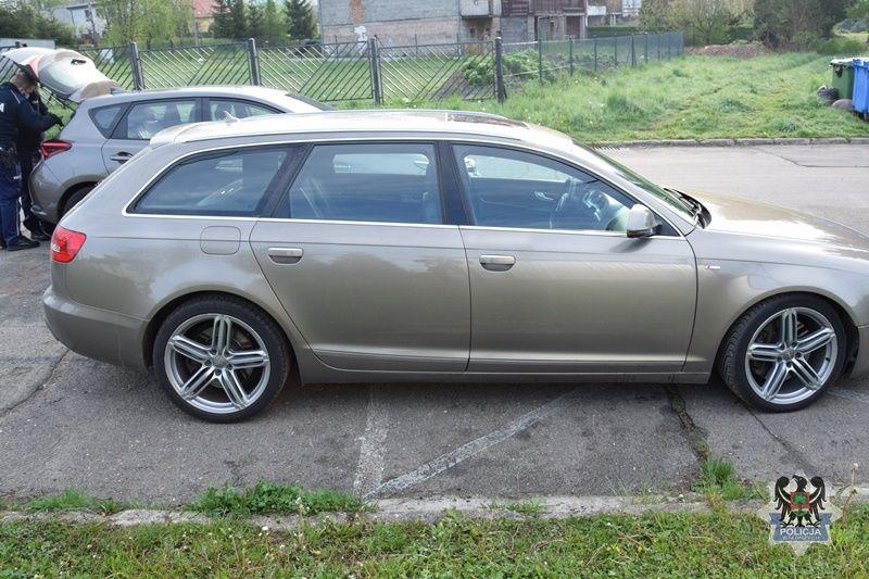 REGION, Głuszyca: Pasażer został w aucie