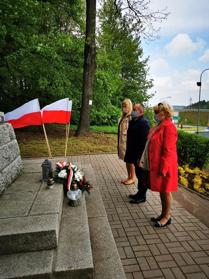 REGION, Szczawno-Zdrój/Stare Bogaczowice: Kwiaty dla bohaterów