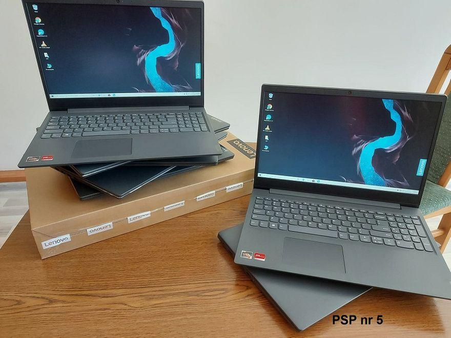 REGION, Boguszów-Gorce: Kolejne laptopy dla uczniów