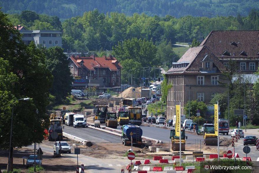 Wałbrzych: Asfalt na Kolejowej