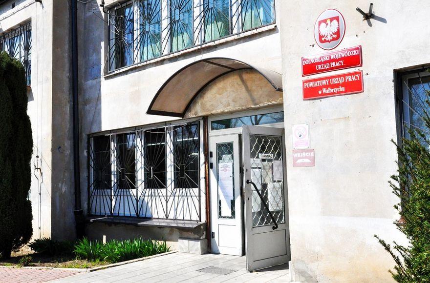 Wałbrzych/powiat wałbrzyski: PUP wypłacił blisko 32 miliony