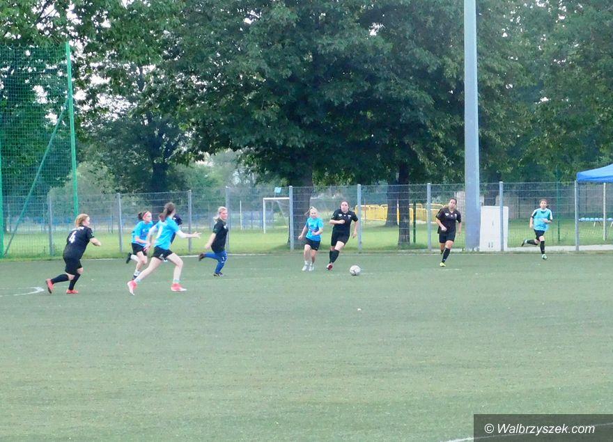 Wałbrzych: Sparing futbolistek