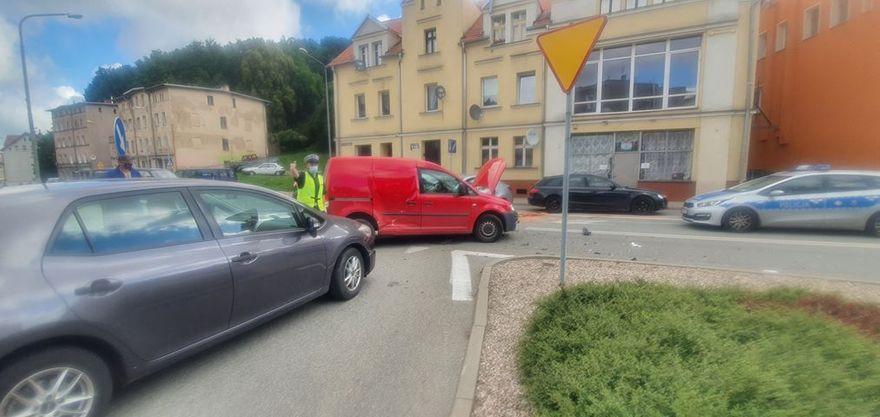 Wałbrzych: Wypadek na skrzyżowaniu
