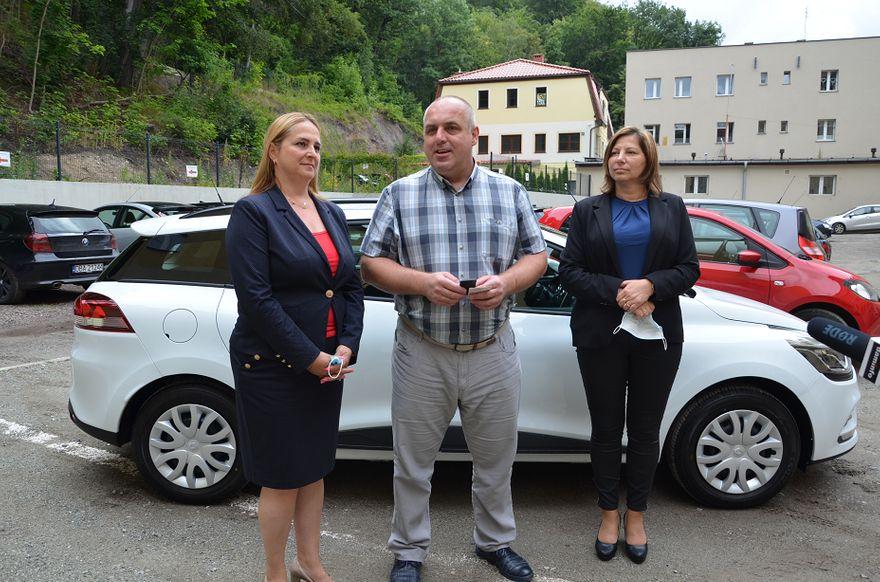 powiat wałbrzyski: Samochód dla placówki