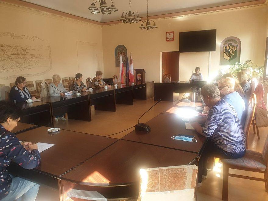 REGION, Mieroszów: Seniorzy działają mimo pandemii
