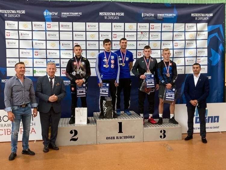 Wałbrzych/Kraj: Kaczor z medalem