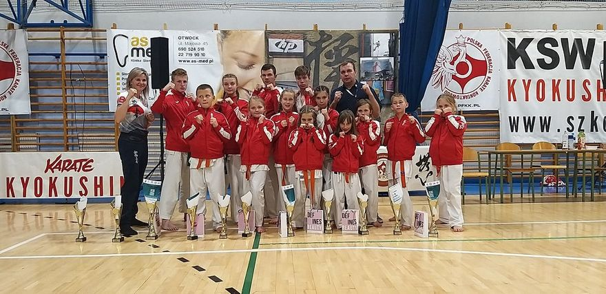 Wałbrzych/Kraj: Powrót karateków