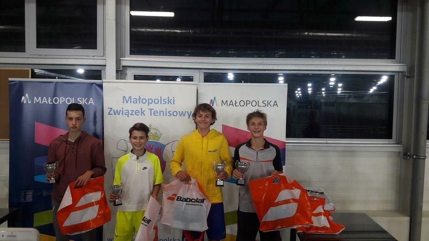 Szczawno-Zdrój: Janek z trofeum