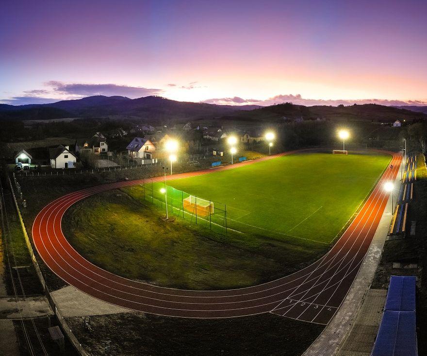 REGION, Stare Bogaczowice: Stadion jak marzenie