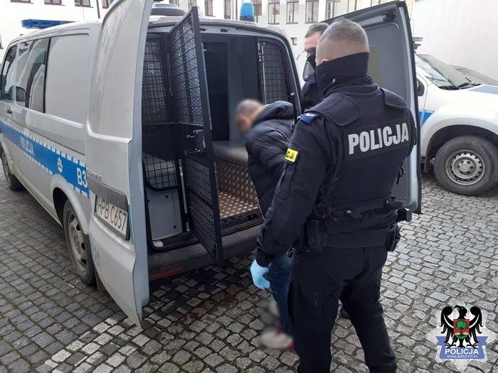Wałbrzych: Narkotyki na Niepodległości
