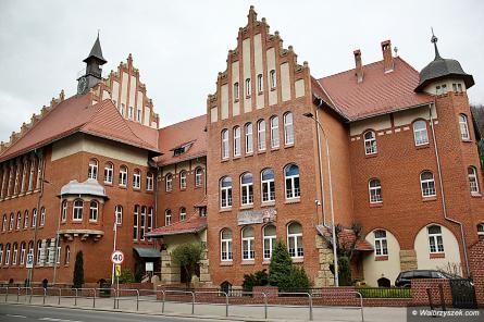 Wałbrzych/Kraj: II LO najwyżej