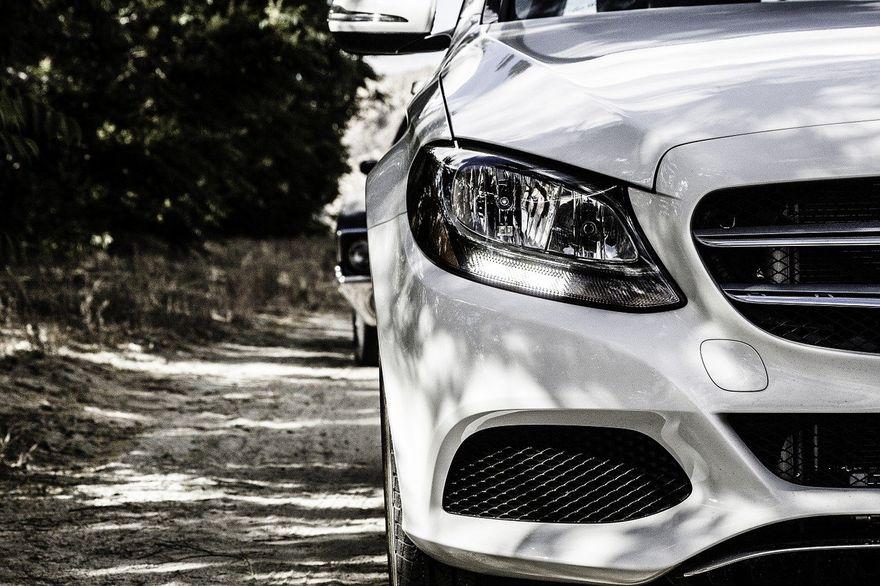 Wałbrzych/Kraj: Umowa kupna sprzedaży samochodu – co musi się w niej znaleźć?