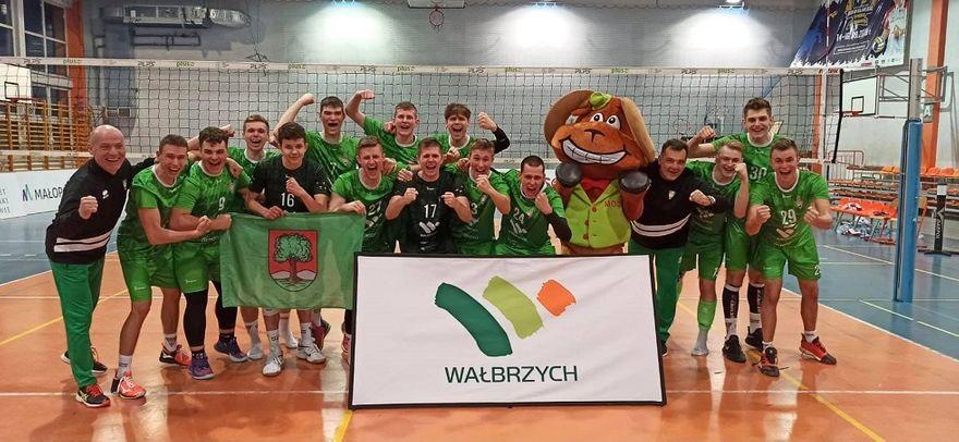 Wałbrzych/Kraj: Zaczęli od wygranej