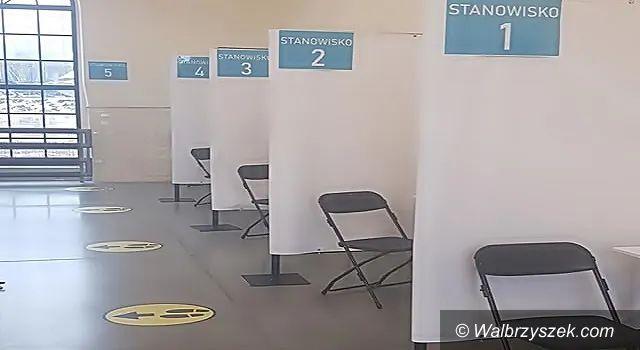 Wałbrzych/REGION: Kolejka do szczepień