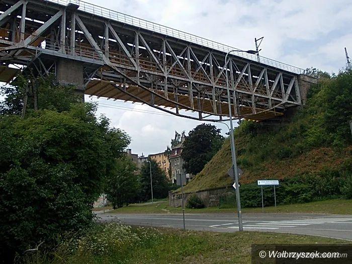 Wałbrzych: Chciał skoczyć z wiaduktu