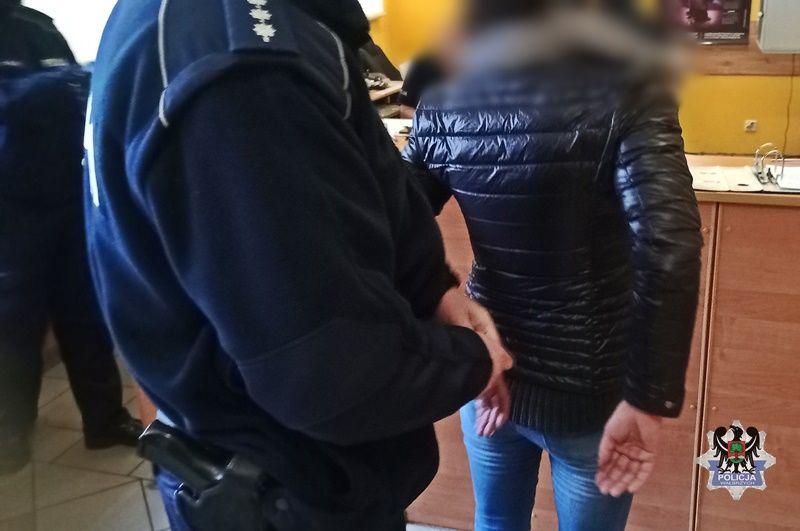 REGION, Boguszów-Gorce: Kobieta zaatakowała policjanta