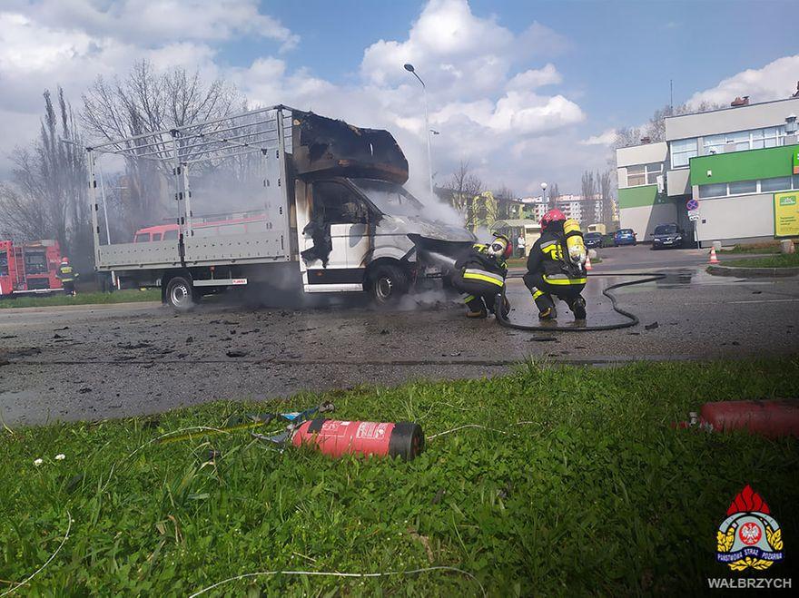 Wałbrzych: Spłonął dostawczak