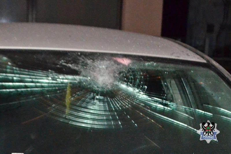 Wałbrzych: Zdemolowali samochody