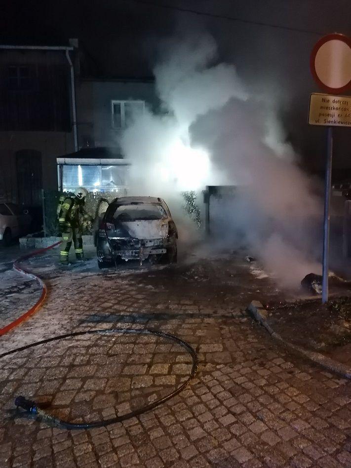 REGION, Boguszów-Gorce: Spłonął samochód