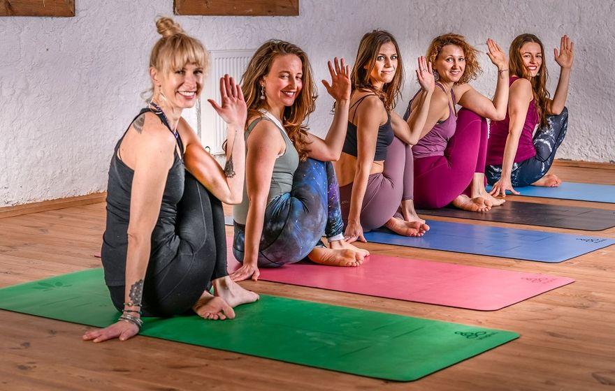 Wałbrzych/Kraj: Podstawy Ashtangi Jogi. Dlaczego stała się ona tak popularna w świecie joginów?