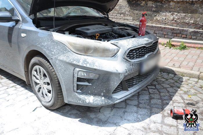 REGION, Boguszów-Gorce: Oblał radiowóz benzyną