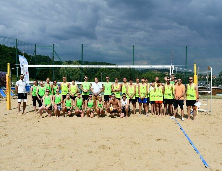Świebodzice: Plażowa rywalizacja