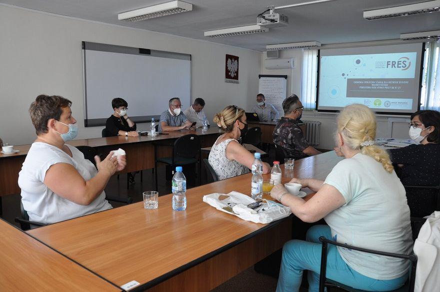 Wałbrzych/powiat wałbrzyski: Praca w czasach pandemii
