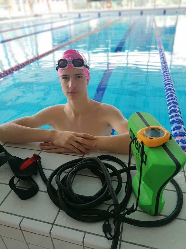Wałbrzych/Kraj: Przygotowania pływaków