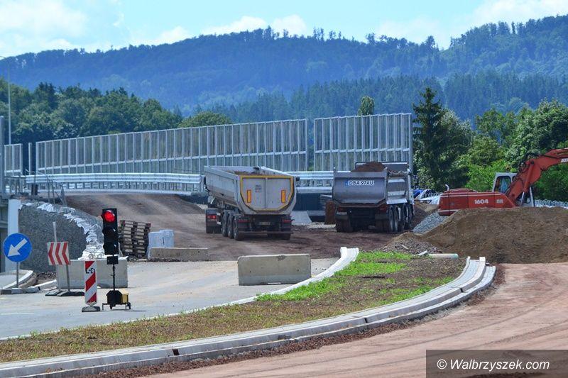 REGION, Szczawno-Zdrój: Kończą budować estakadę