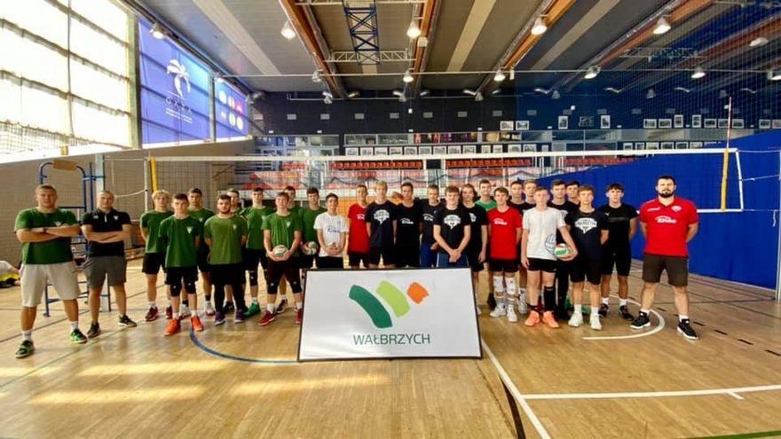 Wałbrzych/Kraj: Wygrana juniorów