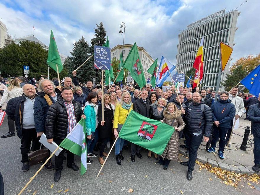 Wałbrzych/Kraj: Samorządowcy protestowali w Warszawie