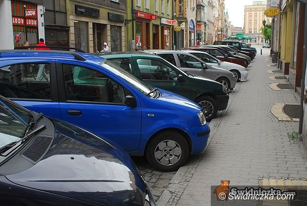 Świdnica: Zakaz parkowania w centrum