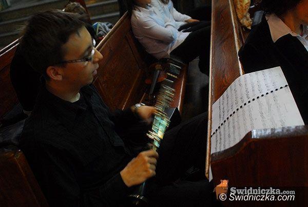 Świdnica: Akordeon, skrzypce, flety, fortepian i organy