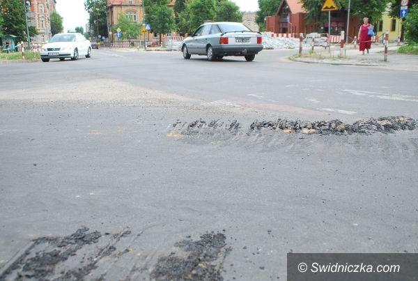 Świdnica: Był sobie równy asfalt…