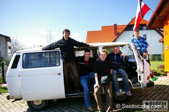 Świdnica/Europa: Świdniccy studenci busem przez świat