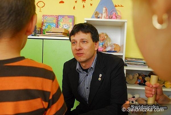 Warszawa/Świdnica: Big Brother z udziałem dzieci? Marek Michalak przeciwko