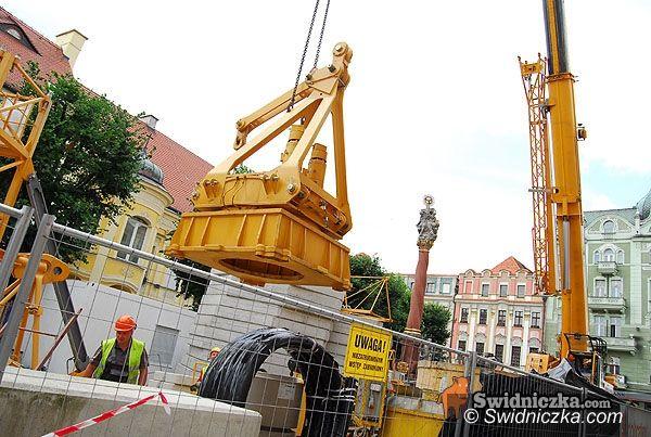 Świdnica: Ogromny żuraw wzniesie nam wieżę