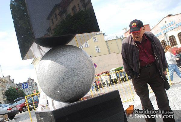 Świdnica: Kamienny upływ czasu na Łukowej