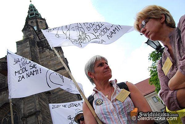 Świdnica: Rodzina diecezji świdnickiej idzie na Jasną Górę