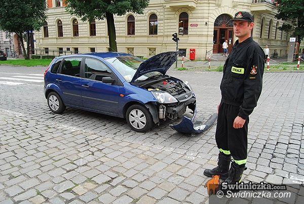Świdnica: Stłuczka na Grunwaldzkim, policja ustala winnego
