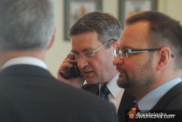Świdnica: Wojciech Murdzek sprawdza małą obwodnicę: zakończenie nie wcześniej niż w 2013 r.