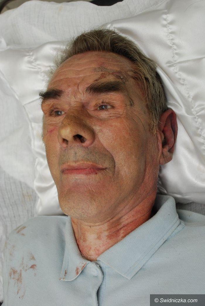 Świdnica: Policja wciąż nie ustaliła danych mężczyzny, który zmarł w Rynku