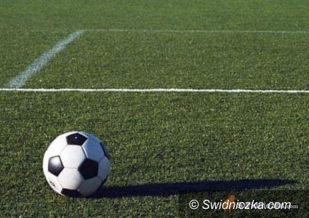powiat świdnicki: Weekendowe piłkarskie emocje w niższych ligach