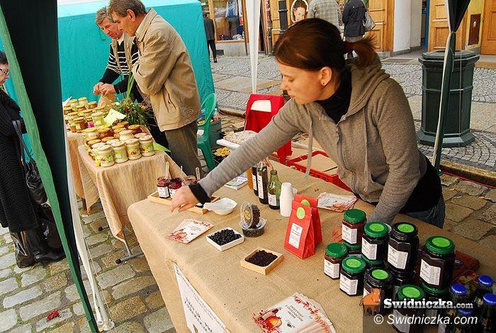 Świdnica: Sery, miody, chleby – zdrowie w przysmakach na świdnickim Rynku