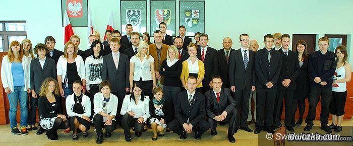 Świdnica: Całkiem dorosła polityka w Młodzieżowej Radzie Ziemi Świdnickiej