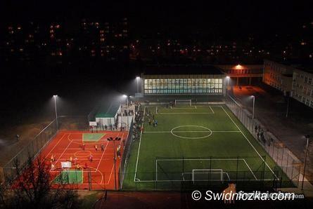 Świebodzice: Wielkie otwarcie boiska w Świebodzicach