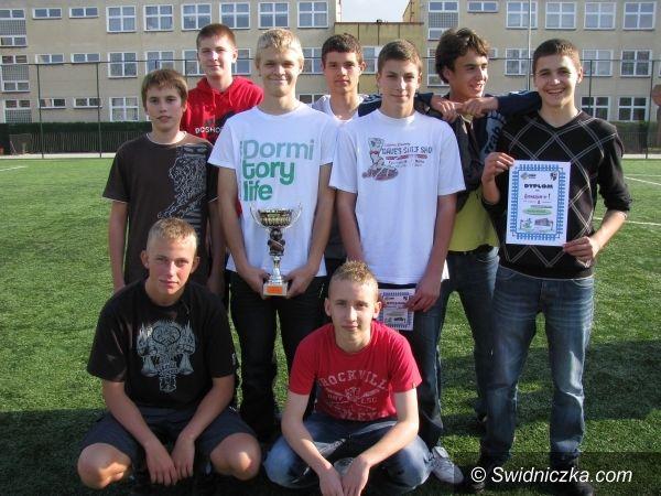 Świdnica: Wygrali i awansowali na szczebel powiatowy